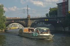 2018-08-04 DE Berlin-Mitte, Spree, Berliner Stadtbahn, BärLiner 04806930