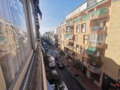 vistas fabulosas a la calle Almendros y a la playa. Infórmese sin compromiso en su agencia inmobiliaria Asegil. www.inmobiliariabenidorm.com