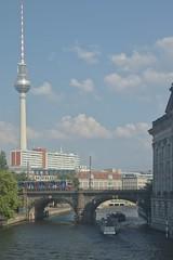 2018-08-04 DE Berlin-Mitte, Spree, Berliner Stadtbahn, Berliner Fernsehturm, S-Bahn Berlin 481, Nostalgie 05613000