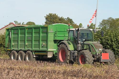 Fendt 724 Vario Tractor with a Broughan Engineering Mega Hi-Speed Trailer