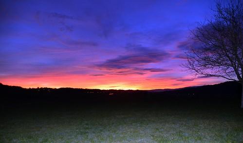 Übergang zur blauen Stunde im Februar