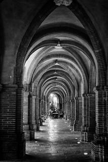 Montauban : les arcades de la place Nationale