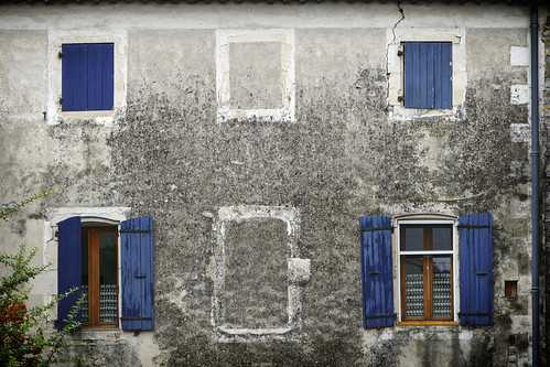 Les volets bleus - Blue shutters