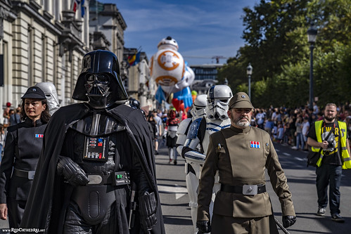 The Empire marches in the streets of Brussels