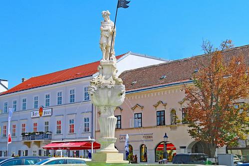 Bruck/Leitha. Floriani-Brunnen, 1713 - Barock