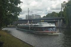 2018-08-05 DE Berlin-Mitte, Spree, Berliner Stadtbahn, Spreekrone 04307170