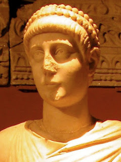 Valentinian II - الامبراطور فالنتينيان الثانى