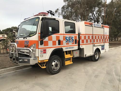 Victorian State Emergency Service | State Rescue 4 | Isuzu NPS300 4x4