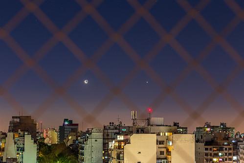 Conjunción Luna cenicienta y Venus.jpg