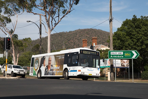 Dubbo Buslines (1) Volvo B7R/Bustech in Tamworth on Country Music Festival shuttles
