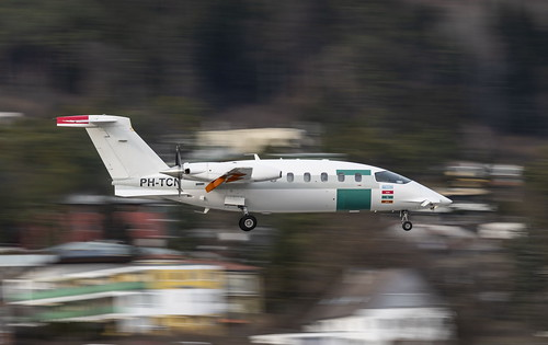 PH-TCN   Piaggio P-180 Avanti   JetNetherlands
