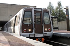Orange Line train at West Falls Church