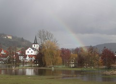 Reichelsheim Michaelskirche Regenbogen überschwemmte Wiese