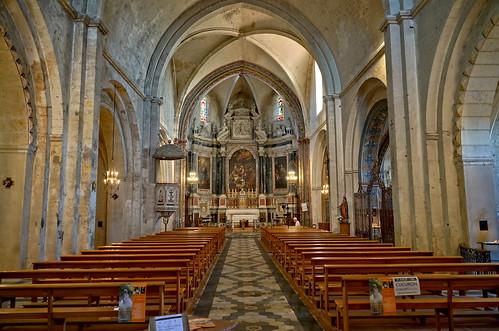 Stunning nave