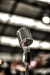 Silver colored microphone - Credit to https://homegets.com/