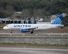 United                                                    Airbus A320                                                             N423UA