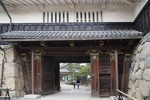 Main gate to the Matsumoto Castle (松本城, Matsumoto-jō), Matsumoto City, Nagano, Japan