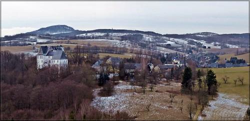 Blick vom Rollefelsen auf Bärenstein und zum Geising