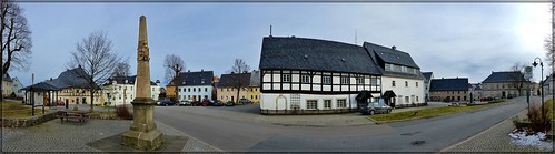 Marktplatz zu Bärenstein im Osterzgebirge