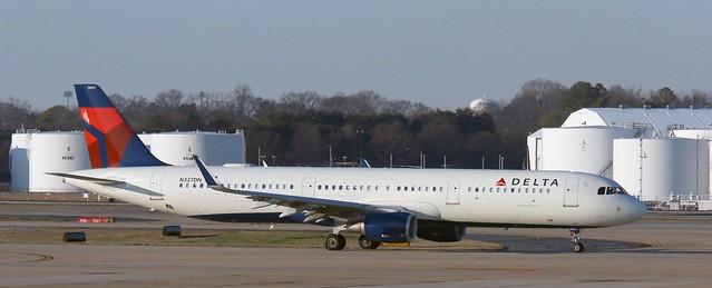 N337DN - Airbus A321-211 - Delta Air Lines ATL 200120