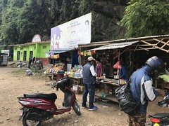 A pit stop on the way from Nagarkot to Pokhara