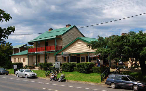 Robertson Inn, Robertson, NSW.