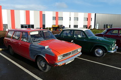 Hillman Hunter DL1725 Estate (1973) & Hillman Minx Series VI (1965)