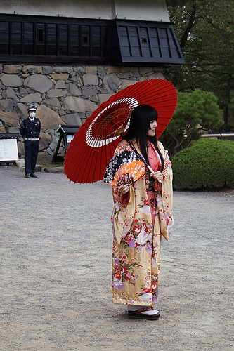 Photoshoot in front of Matsumoto Castle (松本城, Matsumoto-jō), Matsumoto City, Nagano, Japan