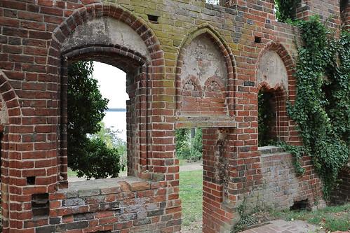 Klosterruine Arendsee, Durchblick zum See