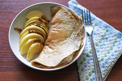 Gluten free pancakes with curd and apple slices