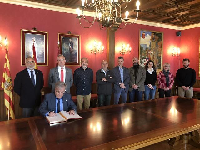 Visita institucional al Ayuntamiento de Jaca