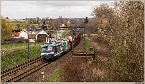 SNCF 467629 + 467579 @ Hennuyères