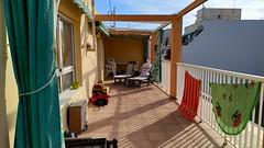 Grandiosa terraza de unos 50 m2 aproximados de esquina, muy soleado. Solicite más información a su inmobiliaria de confianza en Benidorm  www.inmobiliariabenidorm.com