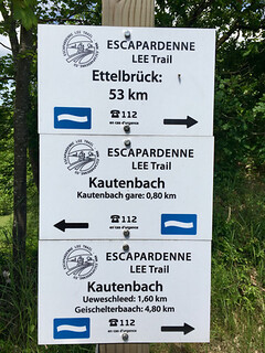 Lee Trail signs