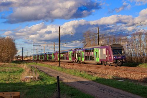 886143 Mâcon-Ville Valence à Crêche-sur-Saône