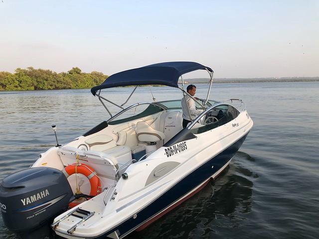 Hire Speed Yacht - 232