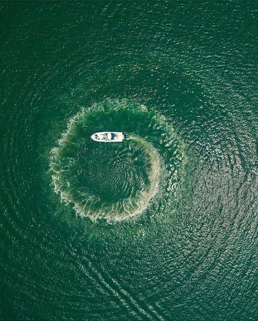 Hire Sea Ray Yacht - 330