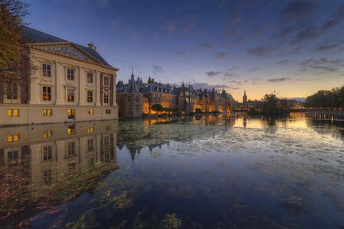 Mauritshuis Museum & Binnenhof at Night