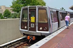 Yellow Line train at Van Dorn Street