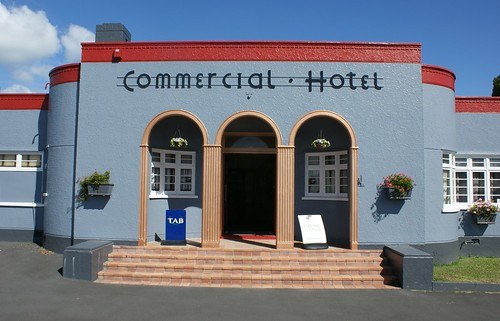 Waihi: Commercial Hotel (c.1939) (2)
