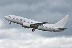 Boeing C-40B '20042' depart [02-0042]
