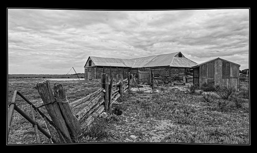 Gol Gol Station woolshed at Mungo National Park-NSW