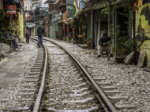 Vietnam, Hanoi: Train Street!