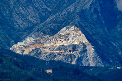 Where Carrara Marble starts its life , To give an idea of Scale you need Zoom in and you will see JCB Diggers , Trucks ect , These were taken from 10-15miles away ....