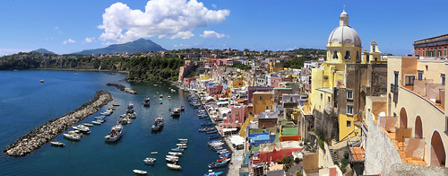 The landmarks of Procida reflect typical Mediterranean pastel colours