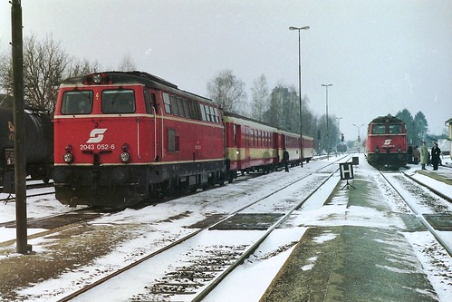 ÖBB 2043 052 and  2043 041 at Ried im Innkreis