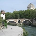Ponte Fabricio - https://www.flickr.com/people/9851528@N02/