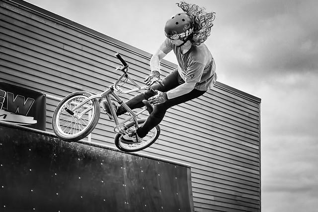 Saut en dirt bike