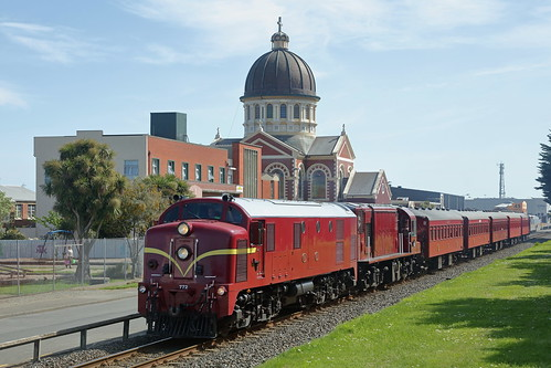 DG 772 leads DI 1102 through Invercargill on specal J028 to Dunedin