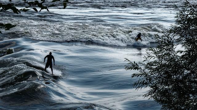 Les joies du surf à Montréal